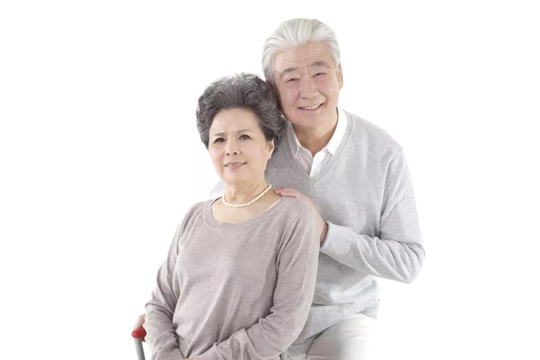 父母年过50,眼睛该查啥?医生给出6个建议,不浪费钱!